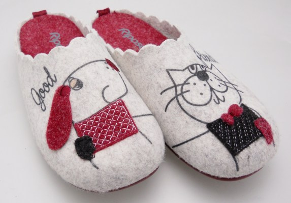 4584 slipper beige cloth dog and removable footbed cat