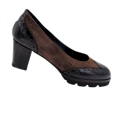 Angela Calzature Numeri Speciali special numbers Shoes marrone chamois heel 4 cm
